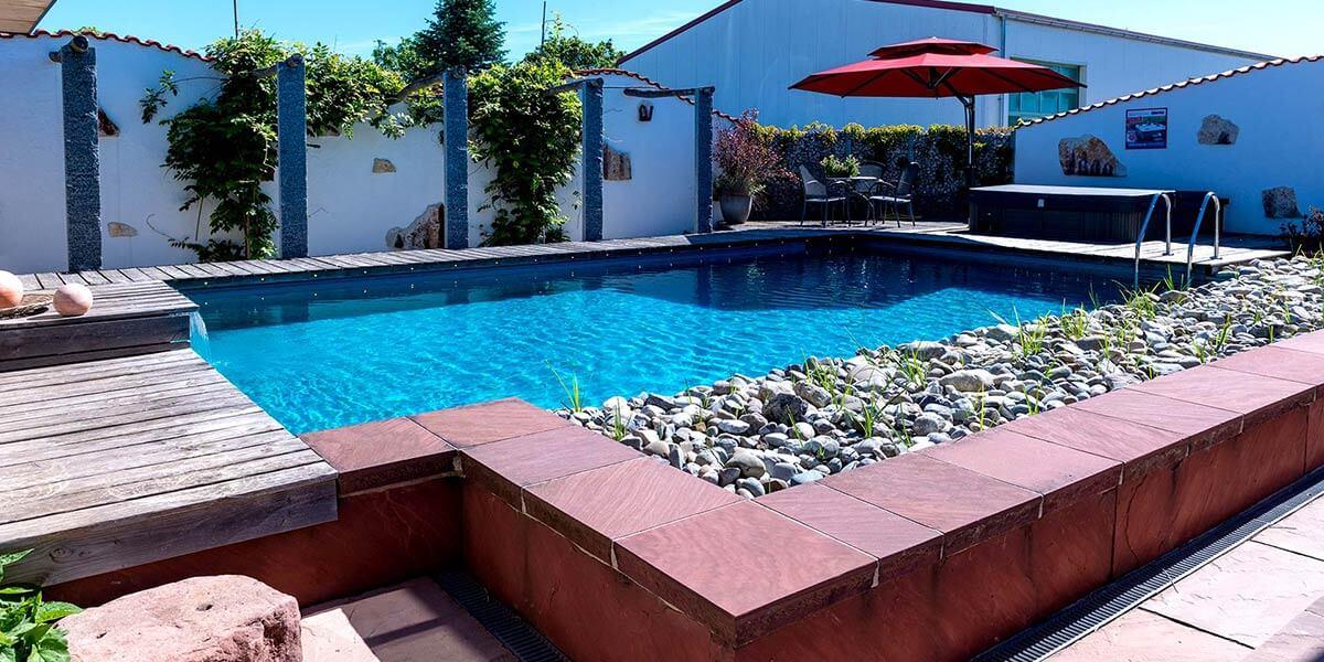 Pool, Schwimmen, Wasser im Garten
