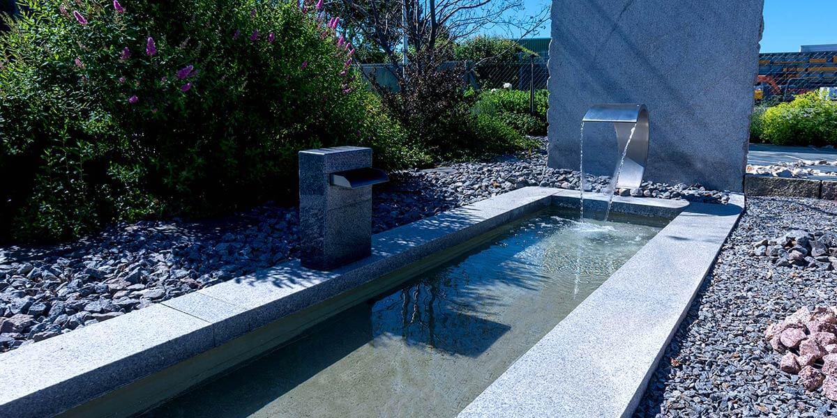 Wasser im Garten, Wasserfall, Schaugarten