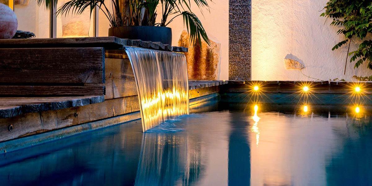 Wasserfall, Gartenbeleuchtung