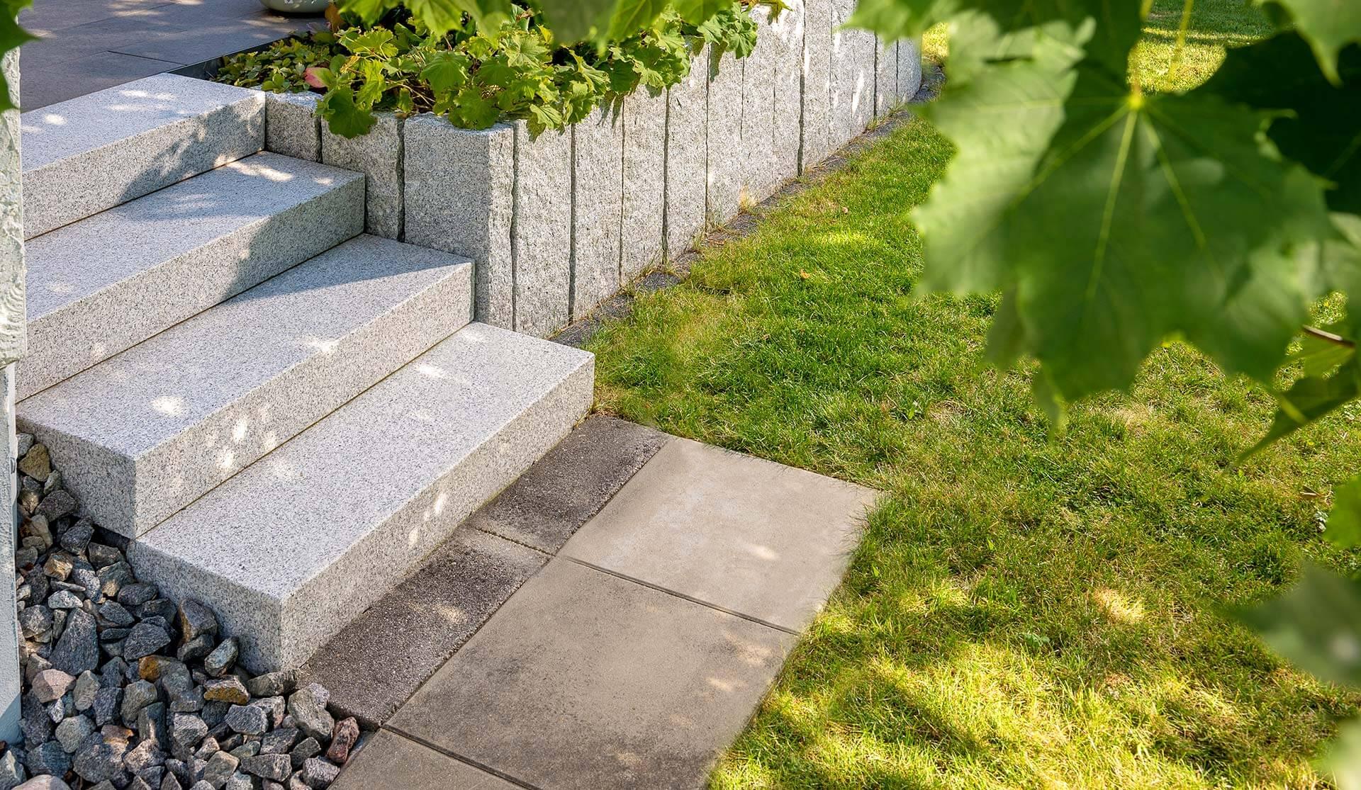 Bild von Treppe im Garten in Rottweil