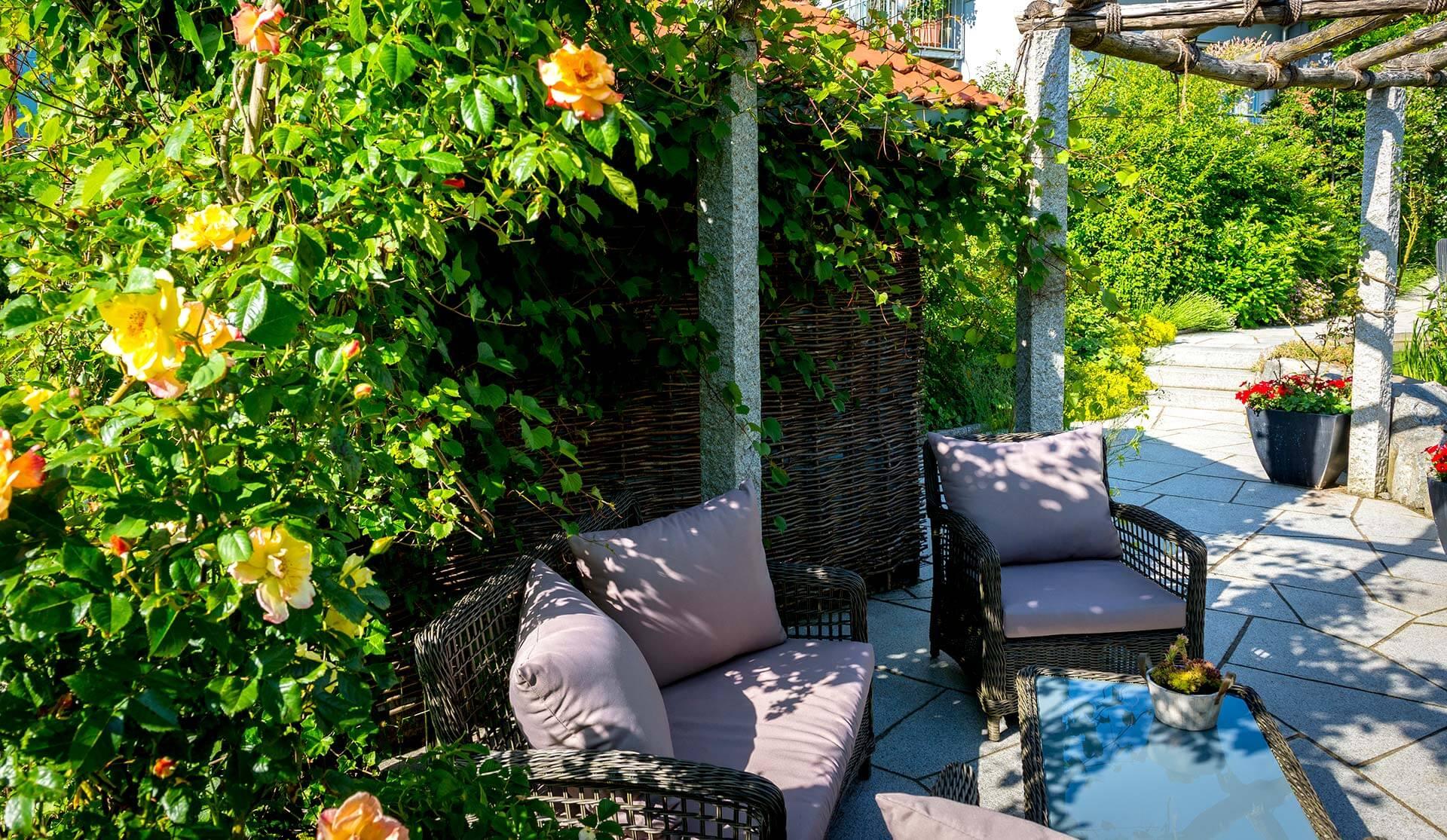 Bild einer Pergola als Überdachung im Garten in Niedereschach